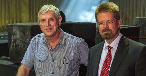 Betriebsleiter Josef Beinert und Geschäftsführer Markus Dürkes (v.l.n.r.). Die Schonlau Werke in Geseke verfolgen ein solides mittelständisches Geschäftskonzept.