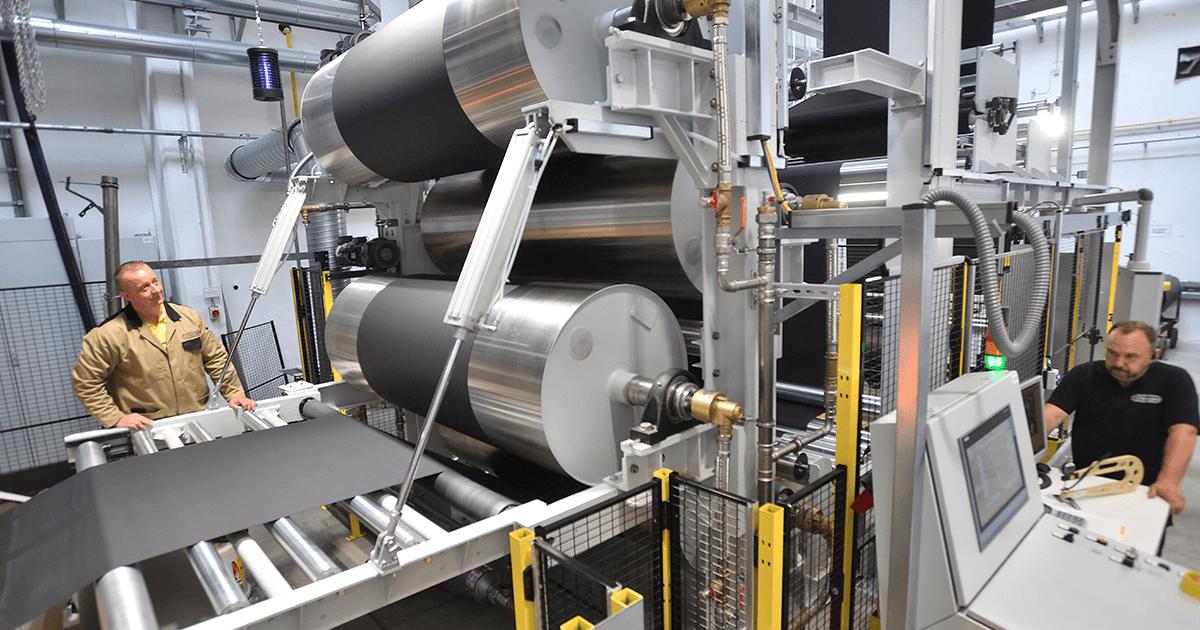 Hochleistungsbeschichtungsanlage, Vowalon Beschichtung GmbH